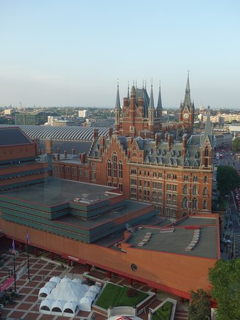 Pullman London St Pancras Hotel: Vue depuis les parties communes de l'étage