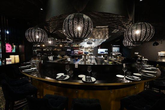Gloria Gijon: Comemos en la Barra?