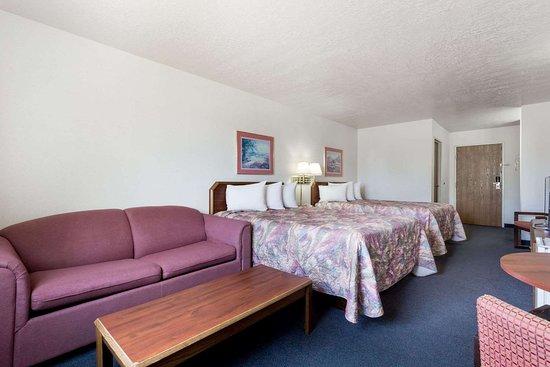Days Inn by Wyndham Torrey Capital Reef: Guest room
