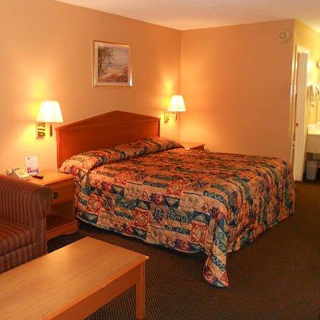 Relax Inn Grenada Room