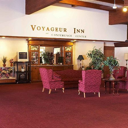 Reedsburg, WI: Voyageur Inn Conference Center Lobby