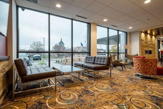 Best Western Plus Capitol Ridge: Lobby