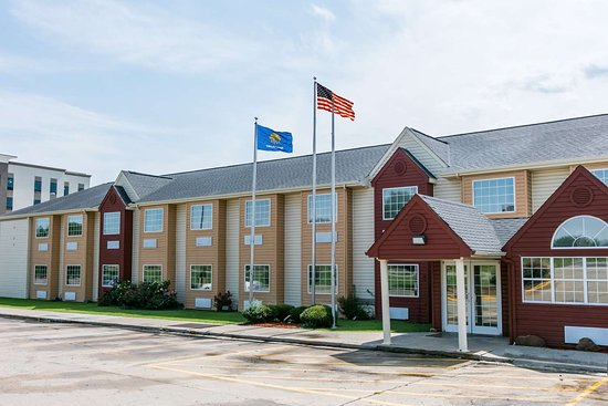Days Inn & Suites by Wyndham Pryor