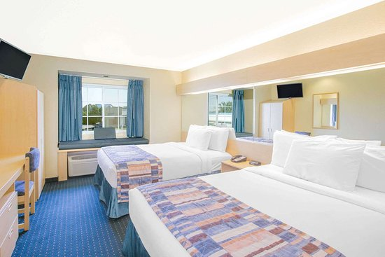 Microtel Inn & Suites by Wyndham Albertville: Guest room