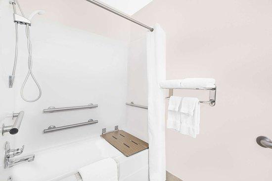Colfax, Αϊόβα: Guest room bath