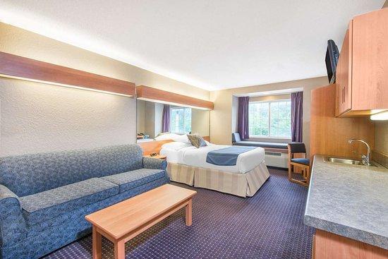 Hazelton, Virginia Occidental: Suite