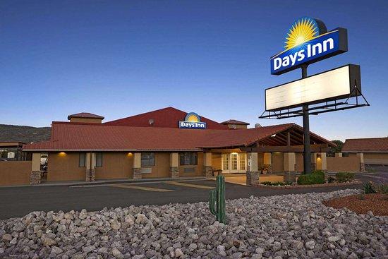 Days Inn by Wyndham Grants