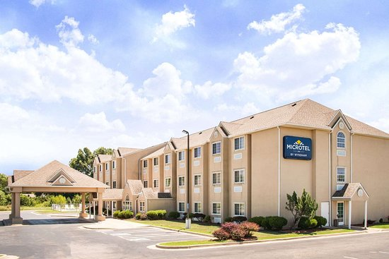 Microtel Inn & Suites by Wyndham Claremore