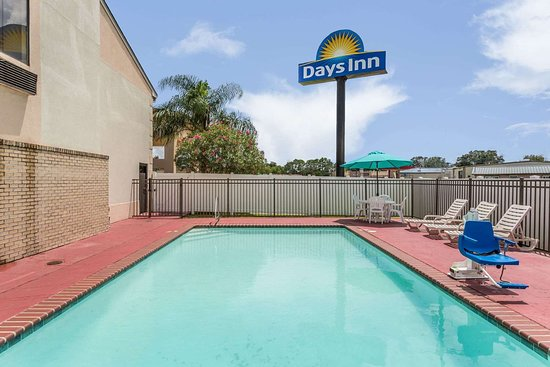 Days Inn by Wyndham Houma la: Pool