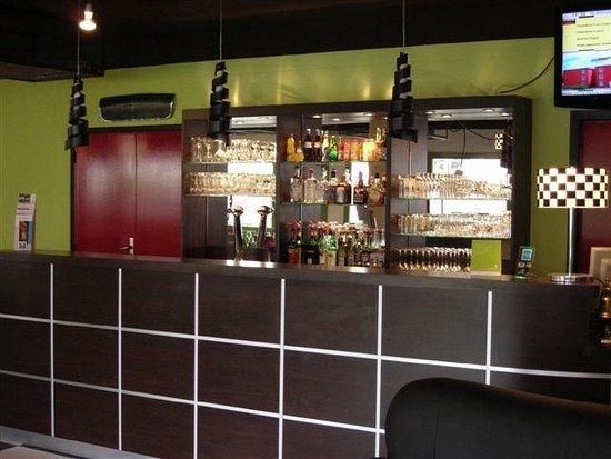 Kyriad Design Enzo Pont A Mousson: Bar
