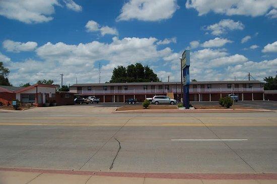 Childress, TX: Exterior