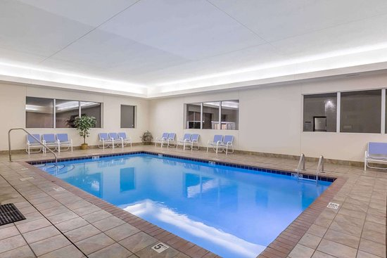 Days Inn by Wyndham Hotel Spencer IA: Pool