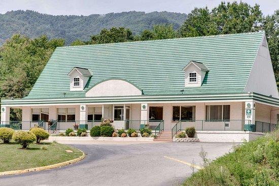Days Inn By Wyndham Asheville West  Candler  Nc