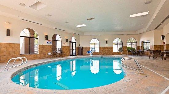 Best Western Plus Inn of Santa Fe: Pool