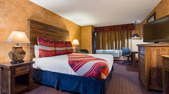 Best Western Plus Inn of Santa Fe: King Guest Room with Wet Bar