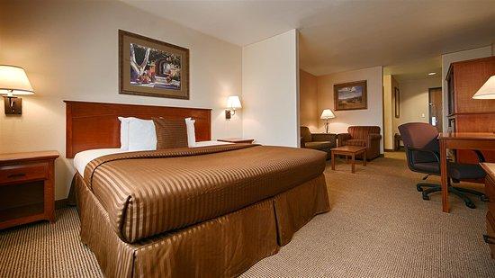 Bloomfield, NM: King Suite