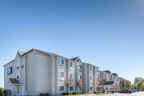Microtel Inn & Suites by Wyndham Johnstown: Welcome to the Microtel Inn and Suites by Wyndham Johnstown
