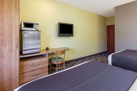 Microtel Inn & Suites by Wyndham Johnstown: 2 Queen Bed Room