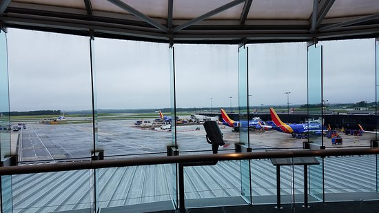 The Observation Gallery at BWI Marshall Foto