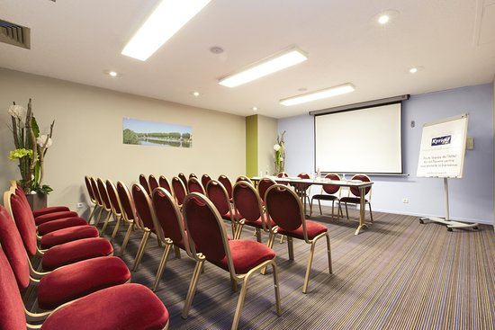 Kyriad Nevers Centre: Meeting Room