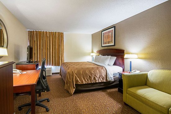 Quality Inn: Guest room with king bed(s)