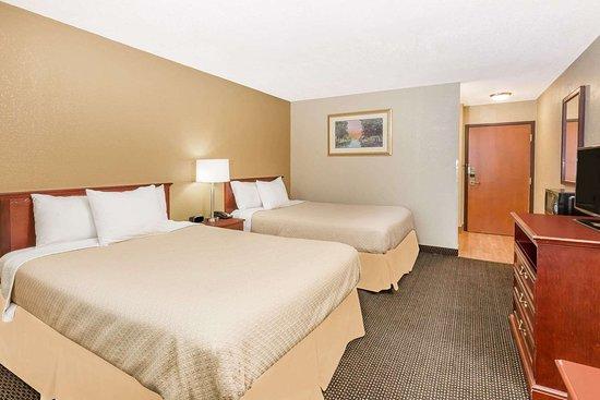 Days Inn by Wyndham West des Moines: Guest room
