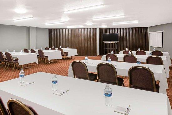 Days Inn by Wyndham West des Moines: Meeting Room