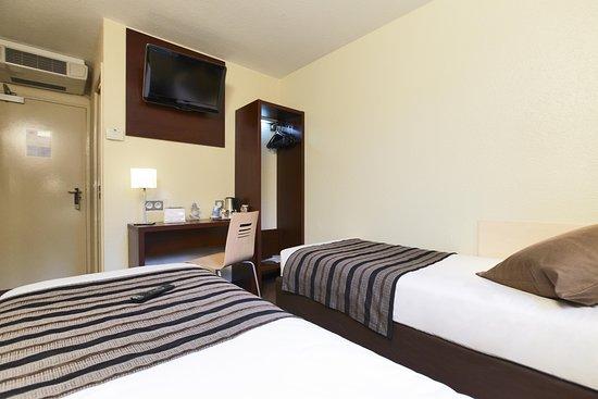 Kyriad Perpignan Nord: Guest Room