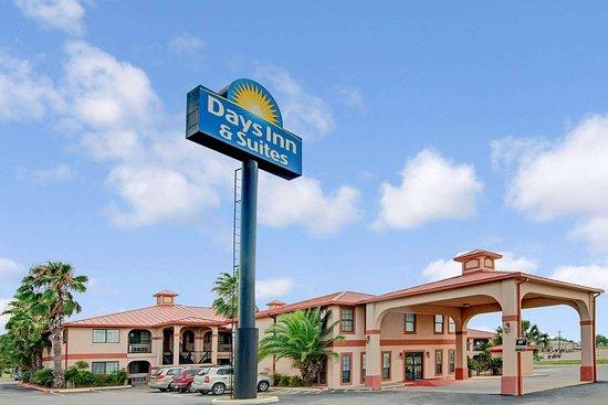 Days Inn  U0026 Suites By Wyndham Braunig Lake  68    U03368 U03360 U0336