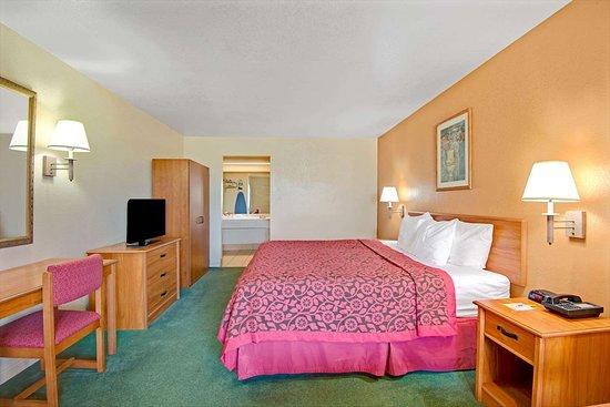 Elmendorf, TX: One King Bed Room