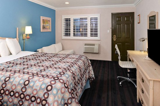 Napa Valley Hotel & Suites, a 3 Palms Boutique Hotel and Resort: One Queen Bed