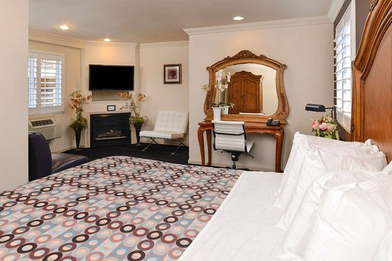 Napa Valley Hotel & Suites, a 3 Palms Boutique Hotel and Resort: One King Bed Suite