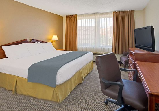 Days Inn by Wyndham Silver Spring: King Bed Room