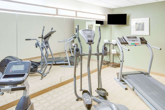Microtel Inn & Suites by Wyndham Saraland/North Mobile: Health club