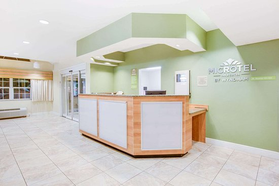 Microtel Inn & Suites by Wyndham Saraland/North Mobile: Lobby