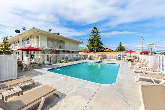 Motel 6 Klamath Falls: pool