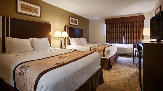 Alexandria, MN: 2 Queen Beds