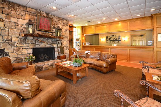 Best Western Mountain Lodge at Banner Elk: Lobby