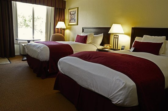 Best Western Mountain Lodge at Banner Elk: Two Double Bed Guest Room