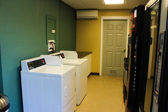 Kilmarnock, Вирджиния: Guest Laundry