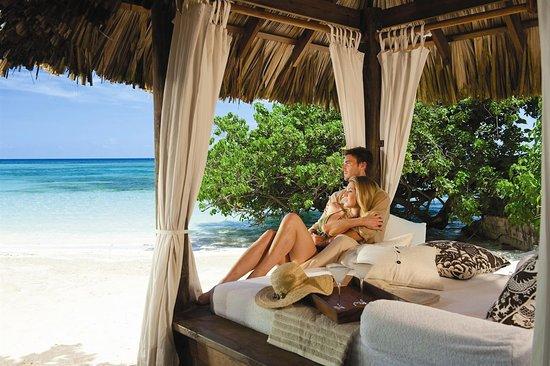 Sandals Royal Plantation: Romantic Beach Cabanas