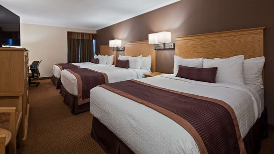 Best Western Plus Cobourg Inn & Convention Centre: Guest Room