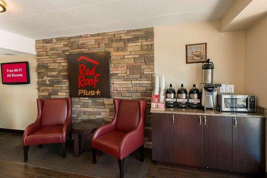 Red Roof Inn Plus St Louis Forest Park Hampton Avenue 81