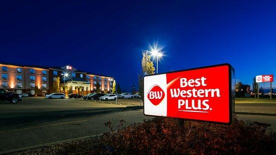 Best Western Plus Red Deer: Hotel Exterior