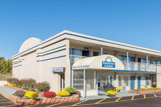 Days Inn & Suites by Wyndham Dayton North: Welcome to the Days Inn and Suites Dayton-North