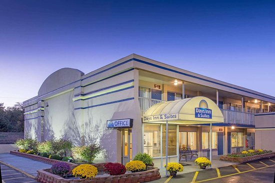 Days Inn & Suites by Wyndham Dayton North: Days Inn and Suites Dayton N