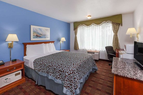 Days Inn by Wyndham Holland: Guest room