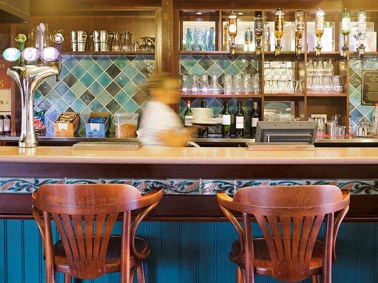 Ibis Plymouth: Bar Lounge
