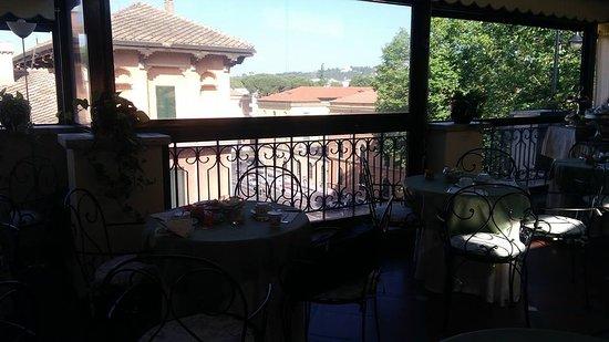 Hotel Farnese: bellissima terrazza per la colazione
