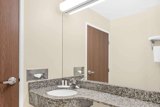 Waynesburg, Pensilvania: Guest room bath